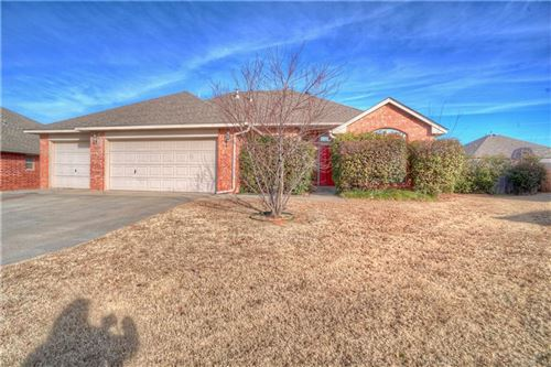 Photo of 2617 SE 94th Circle, Moore, OK 73160 (MLS # 892599)
