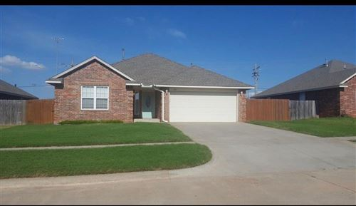 Photo of 624 S Forest Drive, Mustang, OK 73064 (MLS # 918606)