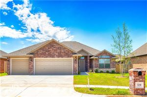 Photo of 729 BOBCAT TRL, Yukon, OK 73099 (MLS # 848617)