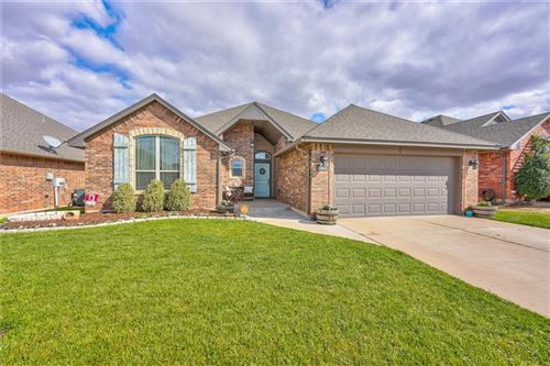 Photo of 15904 Positano Drive, Edmond, OK 73013 (MLS # 901626)