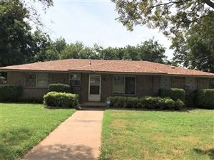 Photo of 423 N Monroe Avenue, Blanchard, OK 73010 (MLS # 880644)