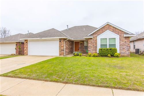 Photo of 21910 Homesteaders Place, Edmond, OK 73012 (MLS # 906644)