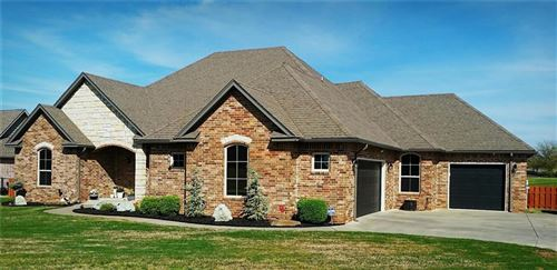 Photo of 878 Sterling Drive, Choctaw, OK 73020 (MLS # 905653)