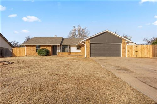 Photo of 1325 Kelly Park Road, Edmond, OK 73003 (MLS # 892654)