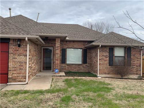 Photo of 929 NW 15th, Moore, OK 73160 (MLS # 897689)