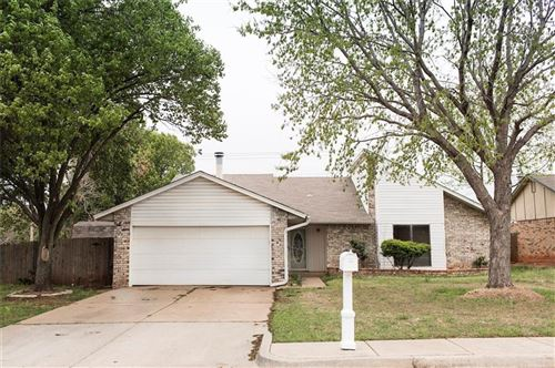 Photo of 2405 Tracys Terrace, Edmond, OK 73013 (MLS # 905702)