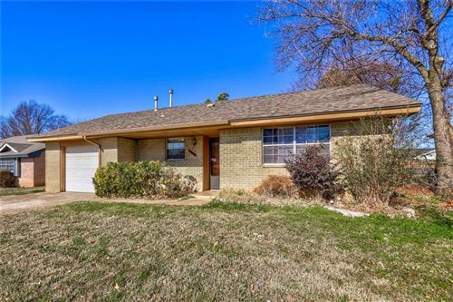 Photo of 1613 Chamblee Drive, Norman, OK 73071 (MLS # 895707)