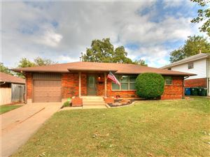 Photo of 137 W COE Drive, Midwest City, OK 73110 (MLS # 886729)