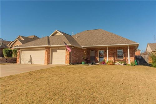 Photo of 10905 Windmill Farms Road, Midwest City, OK 73130 (MLS # 936749)
