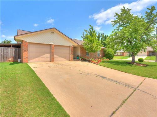 Photo of 2301 SW 102nd Street, Oklahoma City, OK 73159 (MLS # 918768)