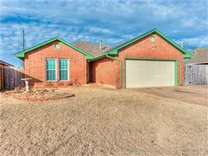 Photo of 313 W TWISTED BRANCH WAY, Mustang, OK 73064 (MLS # 803770)