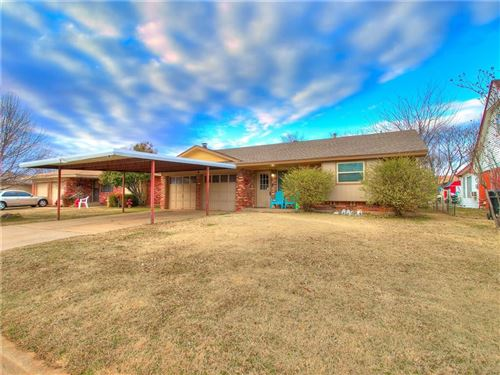 Photo of 709 NW 16th Street, Moore, OK 73160 (MLS # 897807)