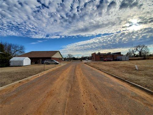 Photo of 000 Private Road, Harrah, OK 73045 (MLS # 897810)
