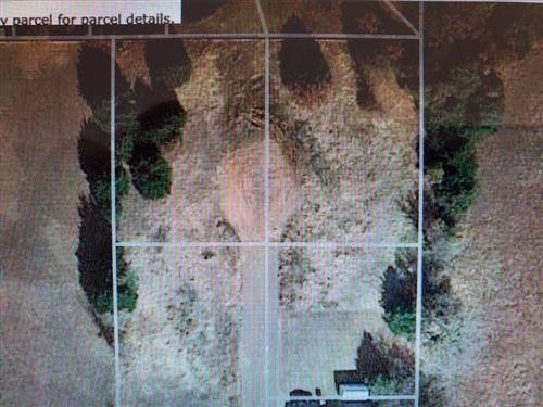 Photo of 000 Private Road, Harrah, OK 73045 (MLS # 897811)