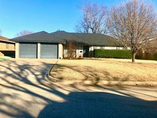 Photo of 2208 Fox Avenue, Moore, OK 73160 (MLS # 897827)
