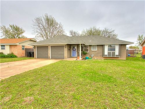 Photo of 928 NW 14th Street, Moore, OK 73160 (MLS # 906877)