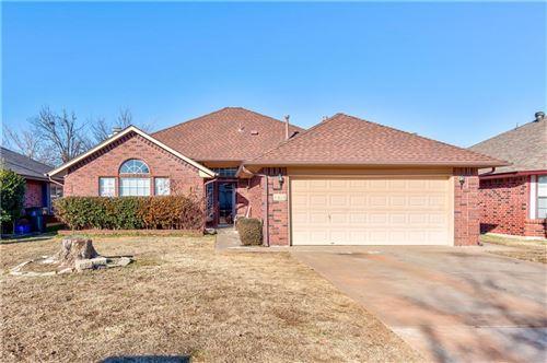 Photo of 11613 Wallace Avenue, Oklahoma City, OK 73162 (MLS # 945881)