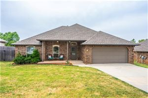 Photo of 404 Starshine Drive, Norman, OK 73071 (MLS # 877957)