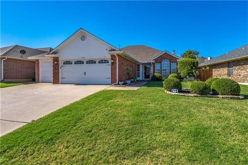 Photo of 8229 Wilshire Ridge, Oklahoma City, OK 73132 (MLS # 980977)