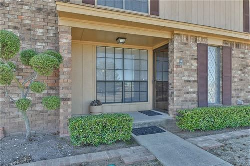 Photo of 813 Two Forty Place, Oklahoma City, OK 73139 (MLS # 897986)