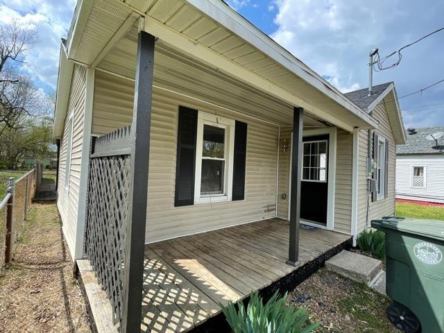 Photo of 1408 Jackson St, Owensboro, KY 42303 (MLS # 81133)