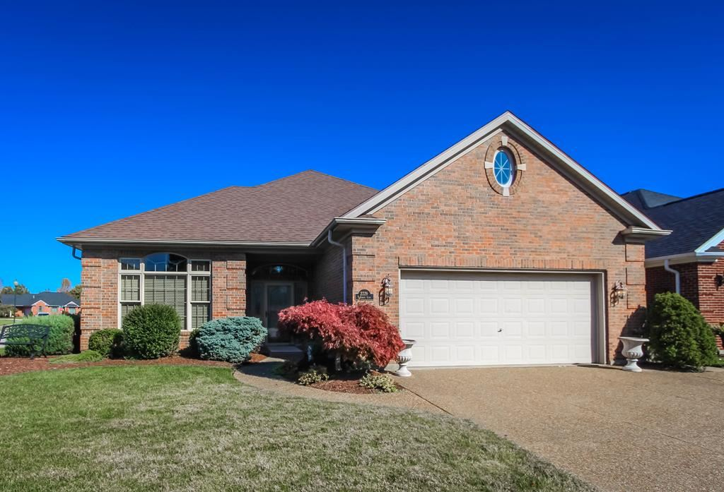 Photo of 2229 Turnbury Cv, Owensboro, KY 42301 (MLS # 80182)