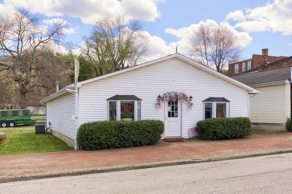 Photo of 160 Main Cross Street, Hawesville, KY 42348 (MLS # 81189)