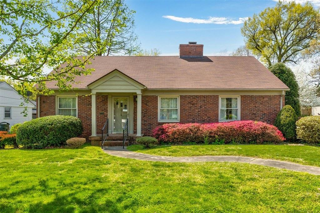 Photo of 1918 Robin Rd, Owensboro, KY 42301 (MLS # 81210)