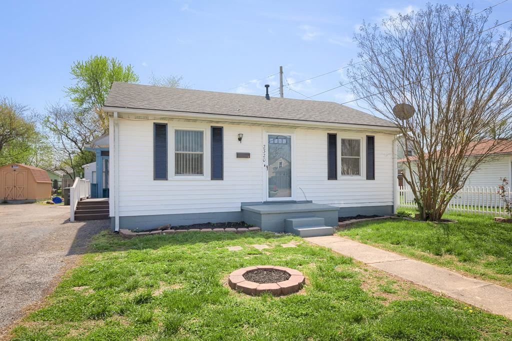 Photo of 2320 West 6th Street, Owensboro, KY 42301 (MLS # 81220)