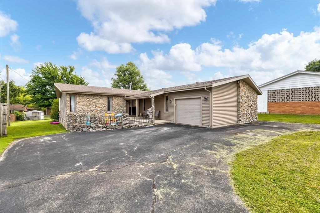 Photo of 4221 Morgan Ct, Owensboro, KY 42303 (MLS # 82233)