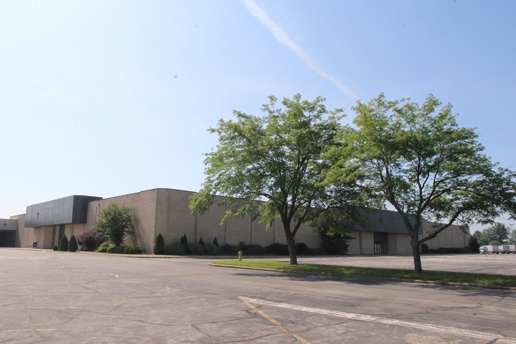 Photo of 5000 Frederica Street, Owensboro, KY 42301 (MLS # 82321)