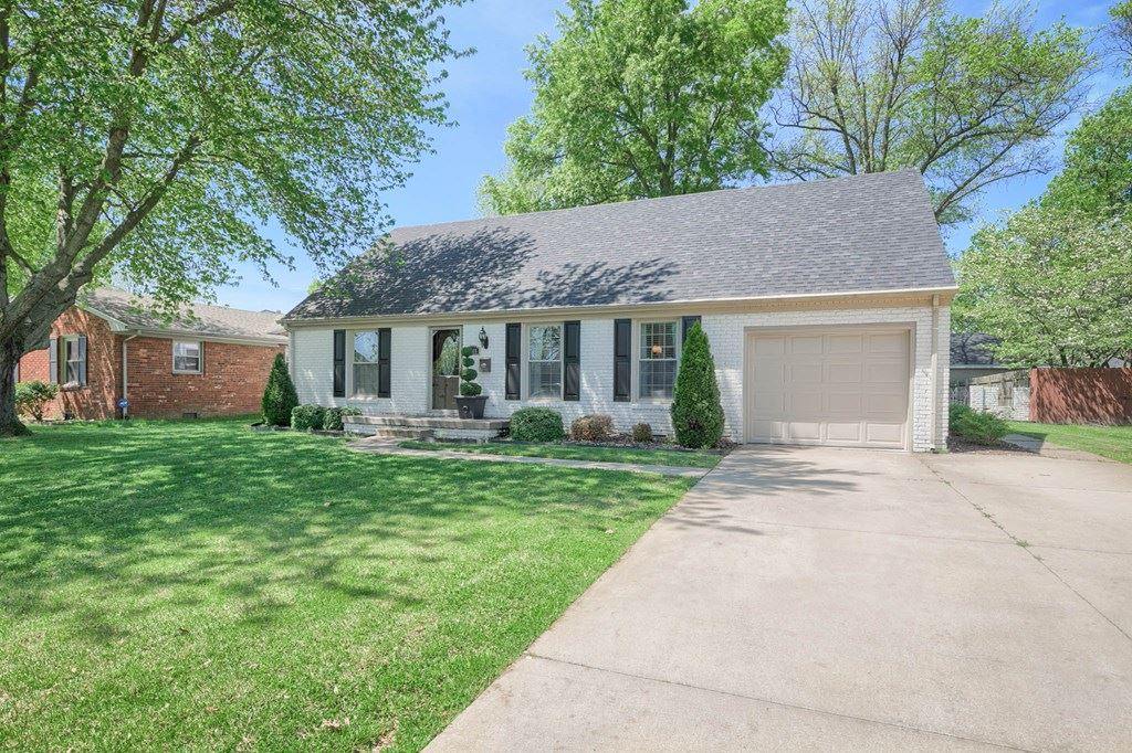 Photo of 3846 Bowlds Court, Owensboro, KY 42301 (MLS # 81355)
