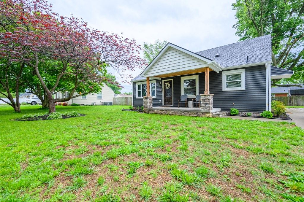 Photo of 1320 Maple Ave, Owensboro, KY 42301 (MLS # 81399)
