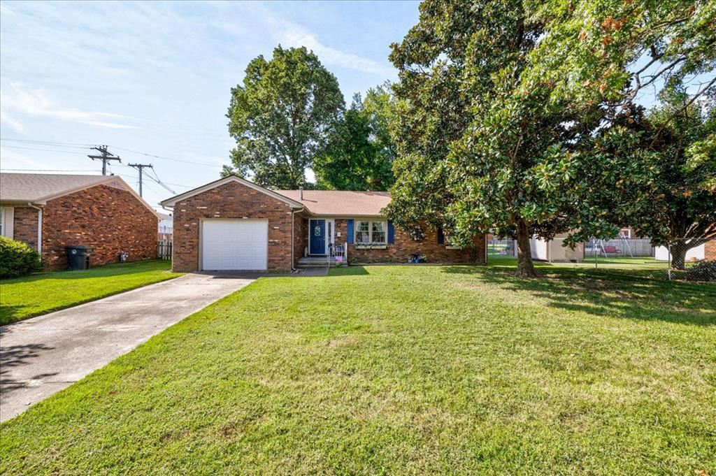 Photo of 3611 Christie Place, Owensboro, KY 42301 (MLS # 82400)