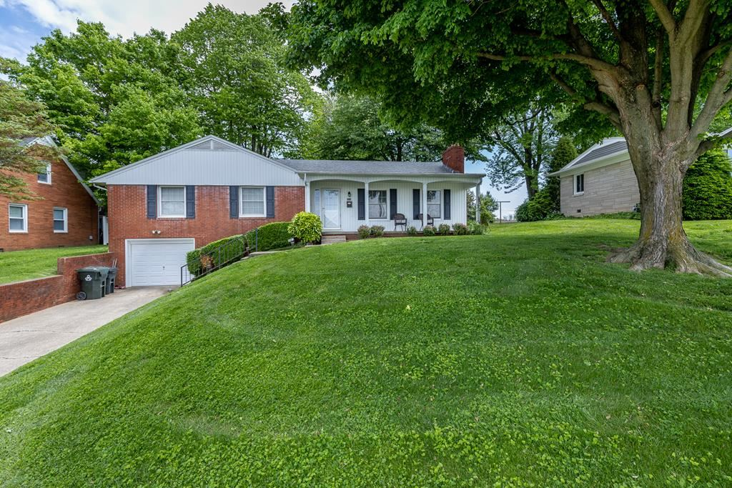 Photo of 3318 East 6th St, Owensboro, KY 42303 (MLS # 81401)