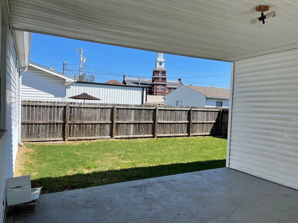 Photo of 324 Booth Ave, Owensboro, KY 42301 (MLS # 82417)