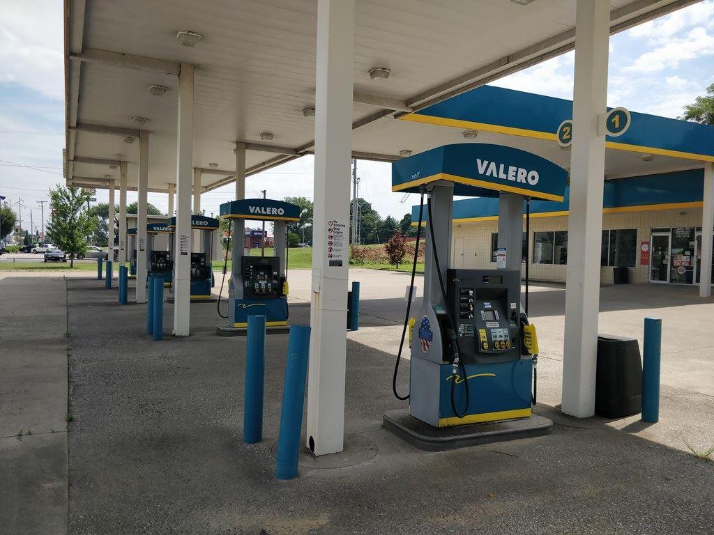 Photo of 2714 Hwy 144, Owensboro, KY 42303 (MLS # 79419)