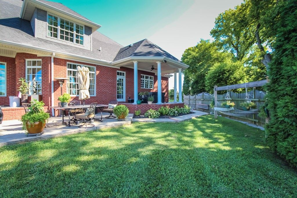 Photo of 363 Pantle Point, Owensboro, KY 42303 (MLS # 82435)