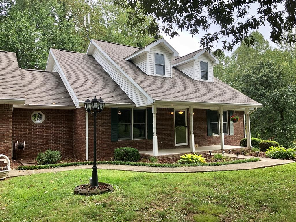 Photo of 901 Westview Drive, Central City, KY 42330 (MLS # 82440)