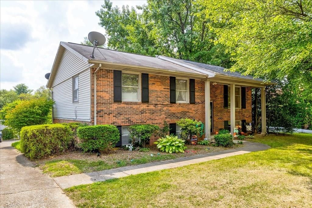 Photo of 2226 Fairview Dr, Owensboro, KY 42303 (MLS # 82452)