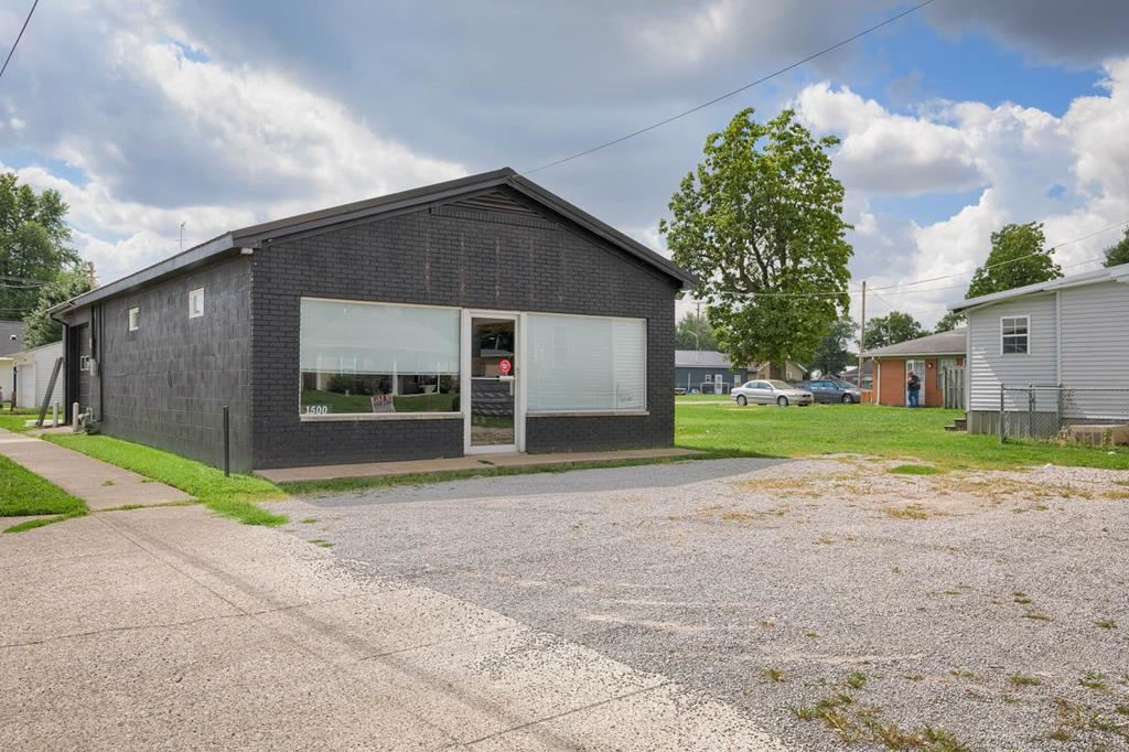 Photo of 1508 West 4th St, Owensboro, KY 42301 (MLS # 82468)