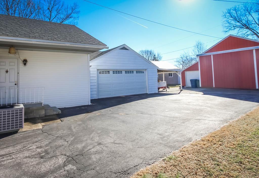 Photo of 218 Warwick Dr W, Owensboro, KY 42303 (MLS # 80471)