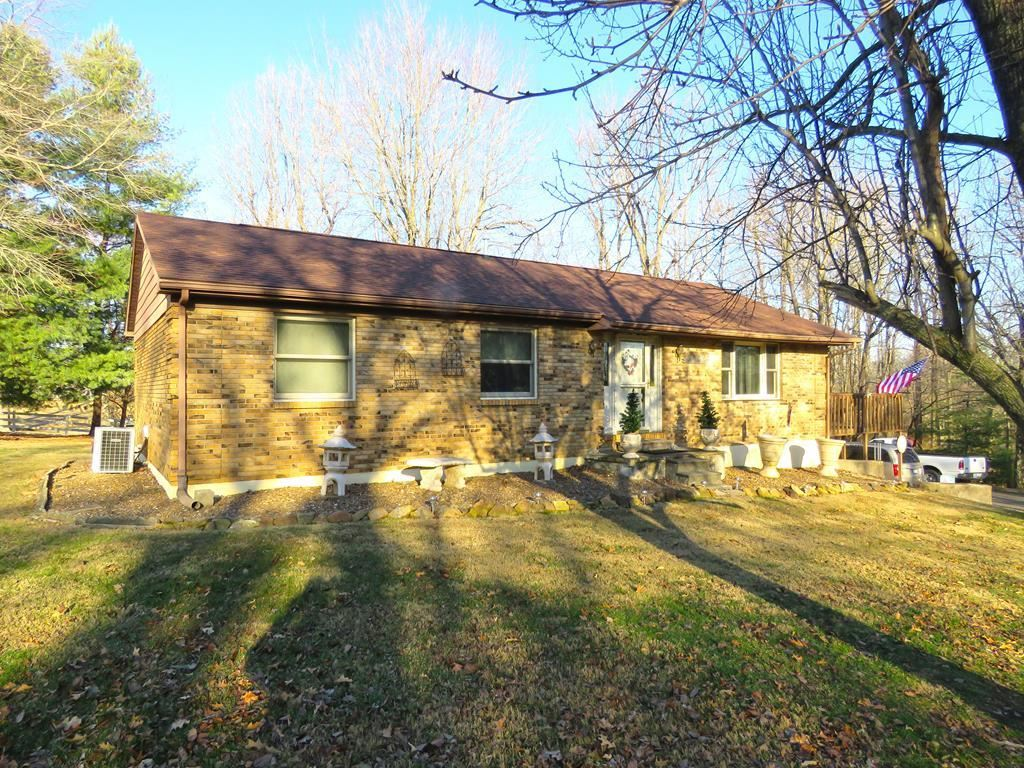 Photo of 3569 Becker Drive, Owensboro, KY 42303 (MLS # 80484)