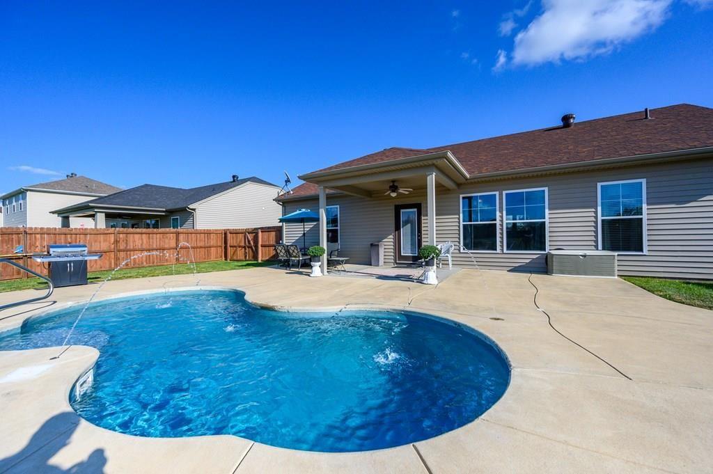 Photo of 6236 Brookstone Pl, Utica, KY 42376 (MLS # 82484)
