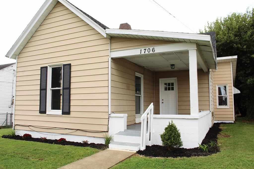 Photo of 1706 McCulloch Ave, Owensboro, KY 42303 (MLS # 82507)