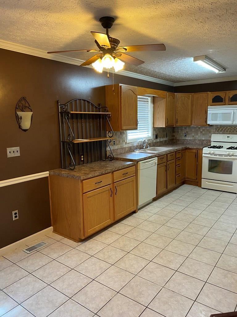 Photo of 400 Highland Ct. E., Owensboro, KY 42303 (MLS # 82509)