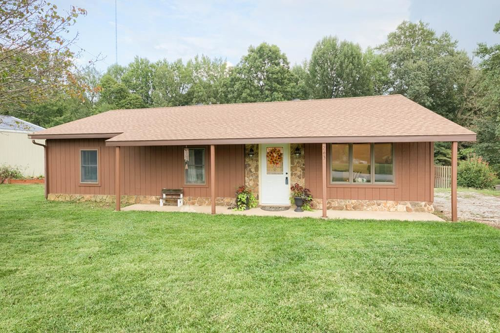 Photo of 263 Boling Road, Utica, KY 42376 (MLS # 82526)