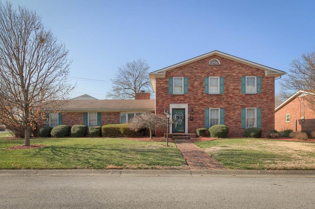 Photo of 3876 Garden Terrace, Owensboro, KY 42301 (MLS # 80576)