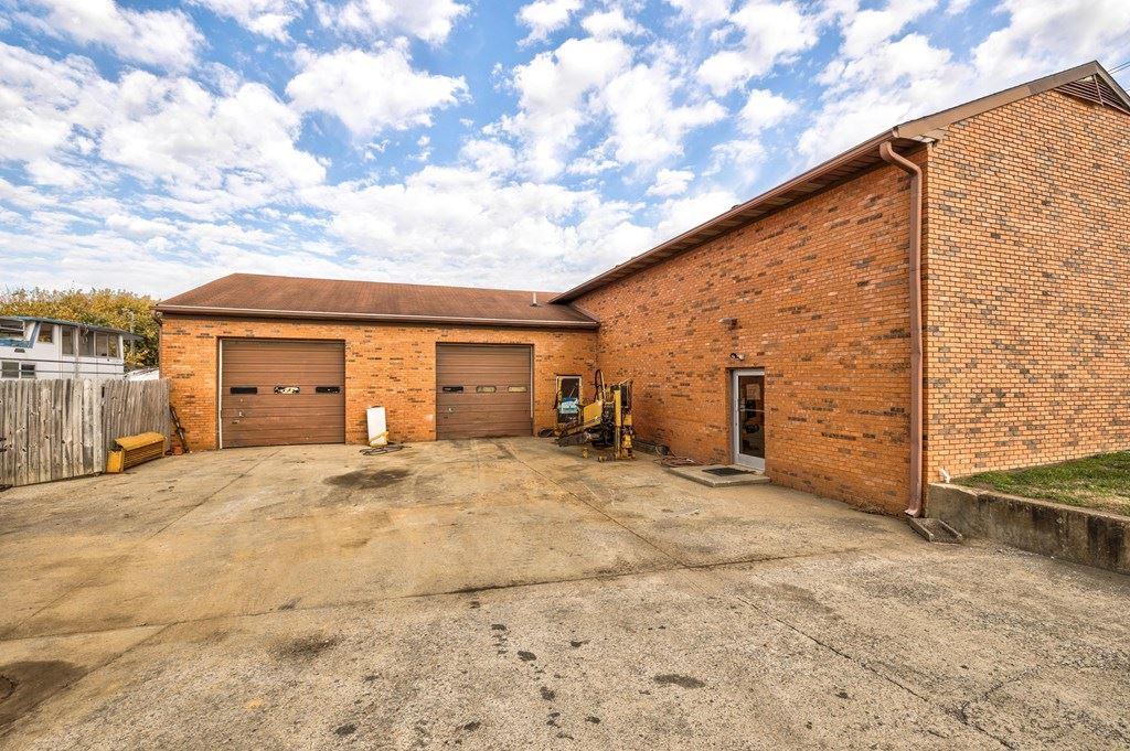 Photo of 2630 New Hartford Road, Owensboro, KY 42303 (MLS # 80602)