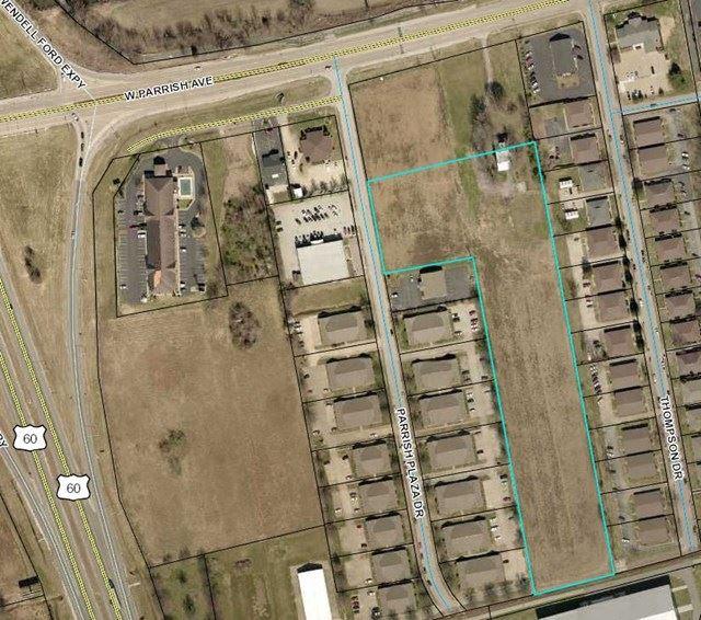Photo of 1651 Parrish Plaza Dr, Owensboro, KY 42301 (MLS # 72624)